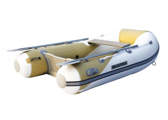 Ce pack comporte une annexe gonflable SEATEC YACHTING 225 et un moteur hors-bord HONDA BF 2,3 (Image 2 de 5)
