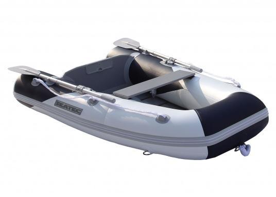 Das Set besteht aus dem SEATEC Schlauchboot YACHTING 225 und dem Außenbordmotor Honda BF 2,3.  (Bild 4 von 7)