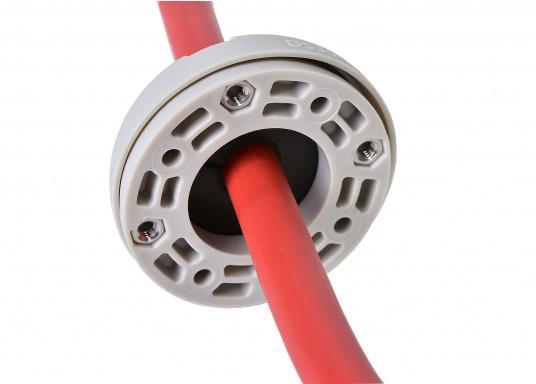 Kabeldurchführung aus Kunststoff. Für Stecker bis 30 mm und Kabel von 9 - 14 mm.  (Bild 5 von 7)