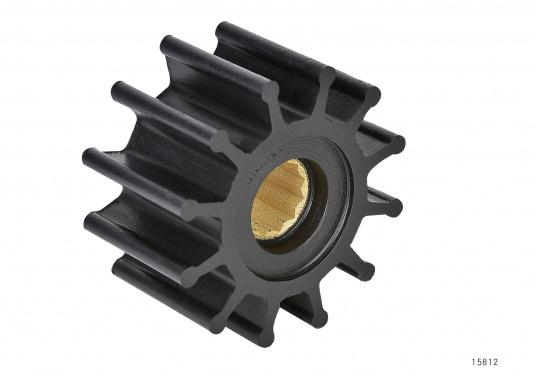Wir bieten Ihnen hier ein umfangreiches Sortiment Ersatzimpeller für JOHNSON und JABSCO Impeller-Pumpen: Neopren-Impeller für Seewasserpumpen und Nitril-Impeller für Bilge- / Lenzpumpen, jeweils in verschiedenen Ausführungen. (Bild 6 von 18)