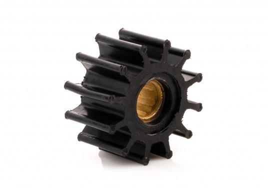 Wir bieten Ihnen hier ein umfangreiches Sortiment Ersatzimpeller für JOHNSON und JABSCO Impeller-Pumpen: Neopren-Impeller für Seewasserpumpen und Nitril-Impeller für Bilge- / Lenzpumpen, jeweils in verschiedenen Ausführungen. (Bild 3 von 18)