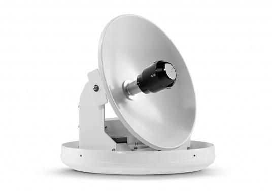 Intellian Technologies ist einer der weltweit führenden Hersteller von Satellitenkommunikations-Systemen. Dementsprechend hochwertig in Qualität und Ausstattung sind auch die i-Serie Antennen, passend konzeptioniert für alle Boots- und Yacht-Typen und -Größen. Diese Antennen überzeugen durch hervorragende Empfangseigenschaften. Exklusive und patentierte Technologien machen das Fernsehen an Bord einfacher und angenehmer, als man es sich vorstellen kann! (Bild 2 von 13)