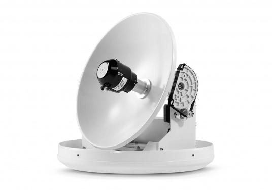 Intellian Technologies ist einer der weltweit führenden Hersteller von Satellitenkommunikations-Systemen. Dementsprechend hochwertig in Qualität und Ausstattung sind auch die i-Serie Antennen, passend konzeptioniert für alle Boots- und Yacht-Typen und -Größen. Diese Antennen überzeugen durch hervorragende Empfangseigenschaften. Exklusive und patentierte Technologien machen das Fernsehen an Bord einfacher und angenehmer, als man es sich vorstellen kann! (Bild 4 von 13)