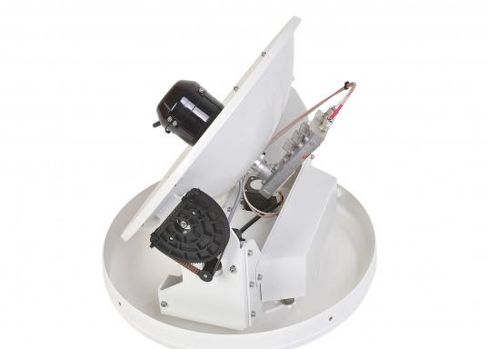 Intellian Technologies ist einer der weltweit führenden Hersteller von Satellitenkommunikations-Systemen. Dementsprechend hochwertig in Qualität und Ausstattung sind auch die i-Serie Antennen, passend konzeptioniert für alle Boots- und Yacht-Typen und -Größen. Diese Antennen überzeugen durch hervorragende Empfangseigenschaften. Exklusive und patentierte Technologien machen das Fernsehen an Bord einfacher und angenehmer, als man es sich vorstellen kann! (Bild 3 von 13)