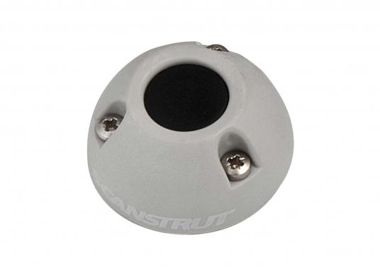 Kabeldurchführung DS16-P aus Kunststoff. Für Stecker bis 16 mm und 2 - 8 mm Kabel.
