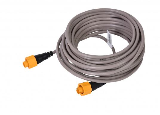 Ethernetkabel mit gelbem 5-Pin-Stecker. Zur Verwendung in Netzwerken bestehend aus Geräten der Navico-Marken Lowrance, Simrad und B&G. Länge: 7,7 m.