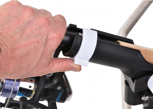 Practical fishing rod holder, made out of sturdy plastic. Suitable for mounting on rails with a diameter of 25 - 30 mm. (Imagen 3 of 7)