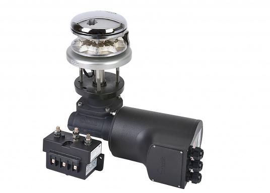 Das Model RIDER wird mit einer runden Basis aus eloxiertem Aluminium geliefert. Durch die runde Basisplatte lässt sich die RIDER wahlweise an Backbord oder Steuerbord montieren. (Bild 2 von 3)