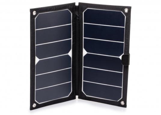 Das TREK KING Solarmodul Kit lässt sich dank der im Textilrahmen integrierten Ösen ganz leicht auf Booten, Rucksäcken und Taschen fixieren. Über den USB Ausgang können mobile Geräte wie Smartphones,