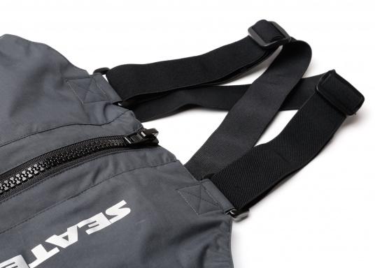 Die SEATEC COASTAL CS2 Hose ist eine leichte, wasserdichte und atmungsaktive Hose für den Motorbootfahrer und Segler. Passend zur SEATEC COASTAL CS2 Jacke wird sie im klassischen Unisex-Look mit angenehm weichem 2-Lagen-Nylon-Material und MPU-Beschichtung allen Ansprüchen gerecht. (Bild 8 von 12)