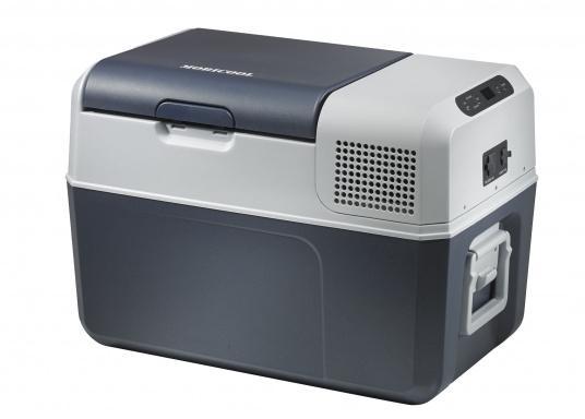 Vollständig ausgestattete, hochwertige Kompressorkühlbox mit 31 Liter Nettoinhalt. Anschlussmöglichkeiten über Bordnetz 12 / 24 V DC und Festnetz 100-240 V AC. Mit sparsamem und geräuscharmem Turbo-Kompressor. (Bild 3 von 6)