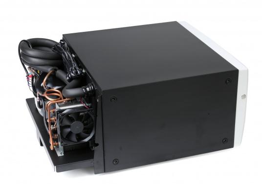 Das passt, wo sonst nichts passt! Das Einbau-Kühlschubfach CD 20bringt leistungsstarke Kompressorkühlung in beengte Raumverhältnisse, auch seitlicher Einbau möglich.  (Bild 3 von 11)