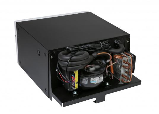 Das passt, wo sonst nichts passt! Das Einbau-Kühlschubfach CD 20bringt leistungsstarke Kompressorkühlung in beengte Raumverhältnisse, auch seitlicher Einbau möglich.  (Bild 4 von 11)