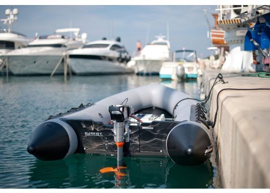 Die neue Generation des Torqeedo CRUISE 4.0 wurde für die schwierigen Herausforderungen der täglichen Nutzung entwickelt - bereit, um es mit den härtesten Umweltbedingungen aufzunehmen, beispielsweise mit Dinghies oder Segelboote bis zu 4 Tonnen. (Bild 7 von 9)