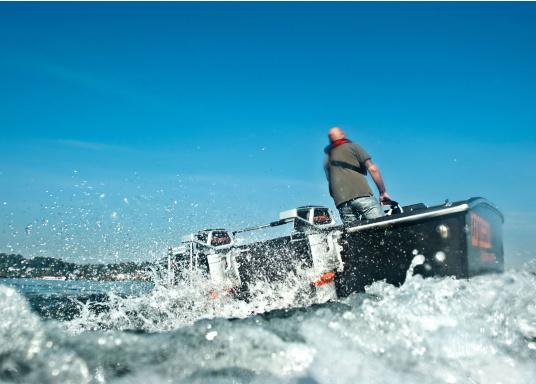 Die neue Generation des Torqeedo CRUISE 4.0 wurde für die schwierigen Herausforderungen der täglichen Nutzung entwickelt - bereit, um es mit den härtesten Umweltbedingungen aufzunehmen, beispielsweise mit Dinghies oder Segelboote bis zu 4 Tonnen. (Bild 15 von 17)