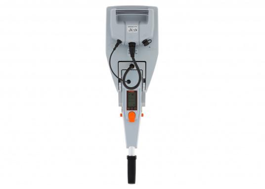 Der Torqeedo TRAVEL 1003 CL wird mit über 1000 Watt Eingangsleistung angeboten und ist in der Vortriebsleistung mit einem 3PS Benzin - Außenborder vergleichbar. (Bild 4 von 18)