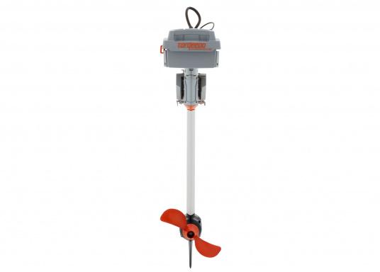 Der Torqeedo TRAVEL 1003 CL wird mit über 1000 Watt Eingangsleistung angeboten und ist in der Vortriebsleistung mit einem 3PS Benzin - Außenborder vergleichbar. (Bild 6 von 18)