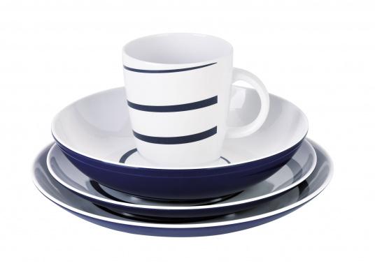 Praktisches Bordgeschirr in modernem Design bestehend aus 16 Teilen: 4x Essteller, 4x Dessertteller, 4x tiefe Teller, 4x Henkelbecher.