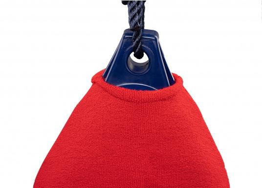 Fendersocken – der einfache Weg Ihr Boot zu schützen. Diese Fenderüberzüge für Kugelfender bieten wirkungsvollen Schutz vor Quietschen und Fenderabrieb.  (Bild 2 von 4)