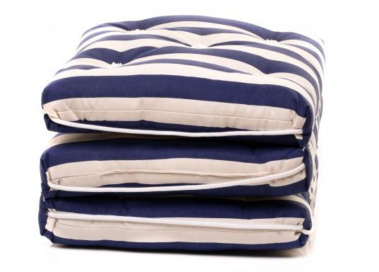 Schwimmfähiges Dreifach-Kissen mit echter Kapok-Naturfaser-Füllung. Bezug 100% Baumwolle.