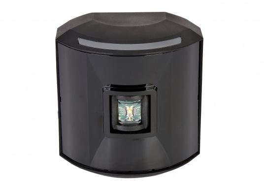 LED-Hecklaterne der Serie 44 mit schwarzem Gehäuse.Die hochqualitativen und modernen LED-Positionsleuchten der Serie 44 überzeugen mit edlem Design und ultra heller Power LED.