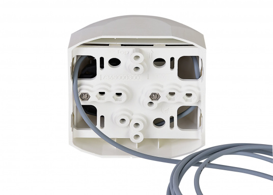 LED-Steuerbordlaterne der Serie 44 mit weißem Gehäuse. Die hochqualitativen und modernen LED-Positionsleuchten der Serie 44 überzeugen mit edlem Design und ultra heller Power LED. (Bild 3 von 5)