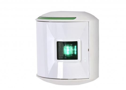 LED-Steuerbordlaterne der Serie 44 mit weißem Gehäuse. Die hochqualitativen und modernen LED-Positionsleuchten der Serie 44 überzeugen mit edlem Design und ultra heller Power LED.