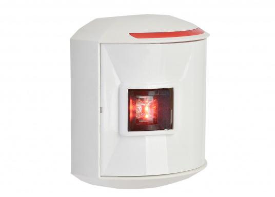 LED-Backbordlaterne der Serie 44 mit weißem Gehäuse.Die hochqualitativen und modernen LED-Positionsleuchten der Serie 44 überzeugen mit edlem Design und ultra heller Power LED.