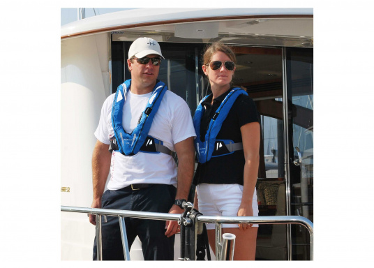 Lightweight and modern life jacket. The Deckvest LITE is perfect for sailing in coastal waters, as well as for motorboating. (Afbeelding 2 of 5)