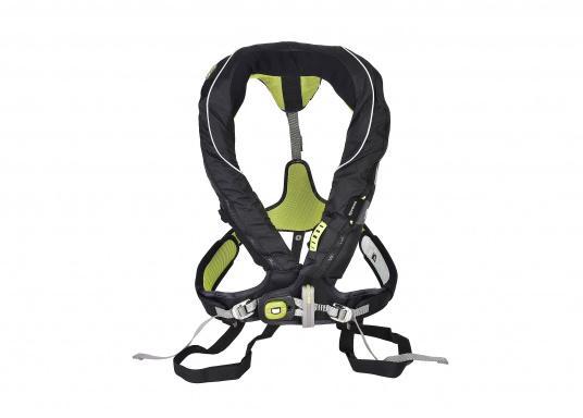Die Spinlock Rettungsweste 5D lässt sich optimal anpassen und ist sehr leicht und bequem zu tragen. Geeignet für einen Brustumfang von 75 - 125 cm. Ihr persönliches Hochleistungsrettungssystem! (Bild 5 von 10)