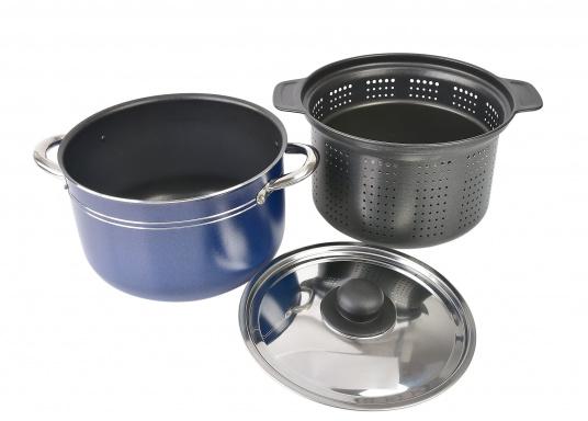 Neunteiliges Kochtopfset, hergestellt aus reinem Aluminium 99,5 % mit nahrungsmittelechter Antihaftbeschichtung. Die Töpfe lassen sich alle ineinander stellen und sind daher gerade für die beengten Platzverhältnisse an Bord bestens geeignet. (Bild 3 von 5)