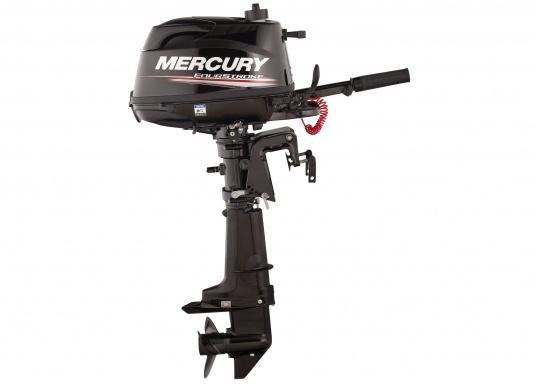 Mit dem MERCURY FourStroke Außenborder können Sie mühelos Beiboote und Skiffs antreiben. Der Motor mit 4PS und einem geringen Gewicht ist auch für seichte Gewässer geeignet. Der Ideale Bootsmotor. (Bild 3 von 9)