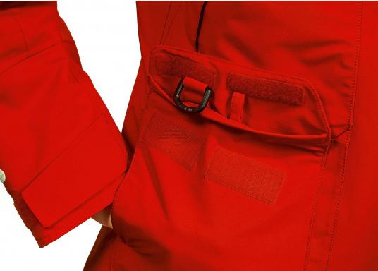 Die Jacke, die dem Offshore-Segler wirklich entspricht. Mit hochstellbarem Kragen und einer Kapuze, die völlig verschließbar ist. MPX GORETEX ® steht für das beste Material für den anspruchsvollen Segler. (Bild 3 von 6)