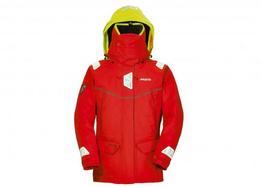 Die Jacke, die dem Offshore-Segler wirklich entspricht. Mit hochstellbarem Kragen und einer Kapuze, die völlig verschließbar ist. MPX GORETEX ® steht für das beste Material für den anspruchsvollen Segler. (Bild 2 von 6)