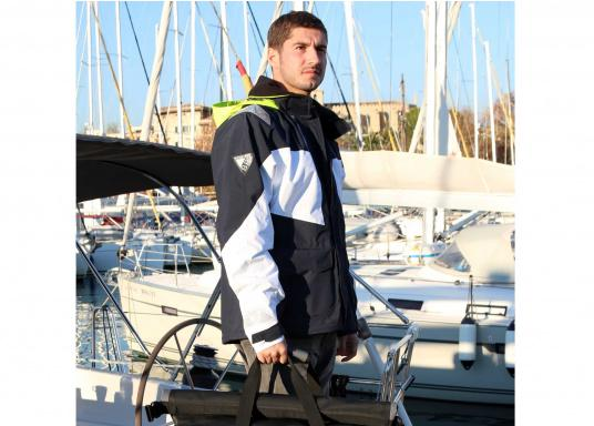 Designed for cruising sailors who spend considerable time on the water. The jacket is mesh lined and is fully waterproof and breathable. Features such as the high fleece-lined collar, a double storm flap and fleece lined pockets will enhance comfort on the water.  (Image 6 of 8)