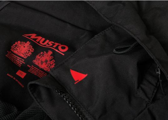 Die Sardinia Jacke ist speziell entwickelt worden, um sich bei warmen Wetter gegen Gischt und Regen zu schützen. Ideal für den Sommer und für warme Reviere. (Bild 9 von 16)