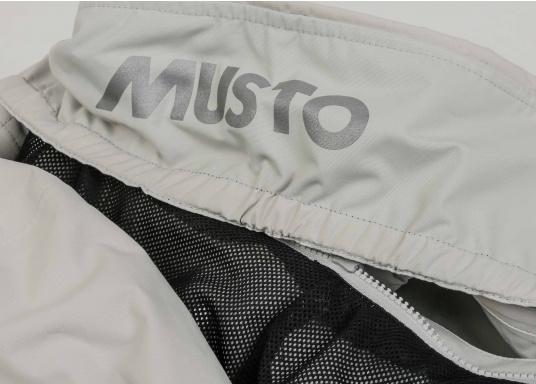 Die Sardinia Jacke ist speziell entwickelt worden, um sich bei warmen Wetter gegen Gischt und Regen zu schützen. Ideal für den Sommer und für warme Reviere. (Bild 13 von 14)