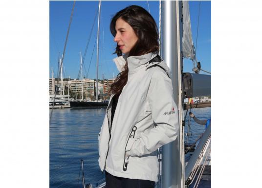 Die Sardinia Jacke ist speziell entwickelt worden, um sich bei warmen Wetter gegen Gischt und Regen zu schützen. Ideal für den Sommer und für warme Reviere. (Bild 2 von 8)