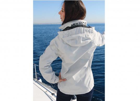 Die Sardinia Jacke ist speziell entwickelt worden, um sich bei warmen Wetter gegen Gischt und Regen zu schützen. Ideal für den Sommer und für warme Reviere. (Bild 3 von 8)
