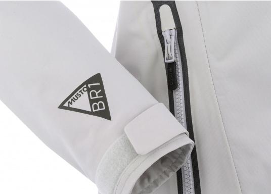 Die Sardinia Jacke ist speziell entwickelt worden, um sich bei warmen Wetter gegen Gischt und Regen zu schützen. Ideal für den Sommer und für warme Reviere. (Bild 7 von 8)