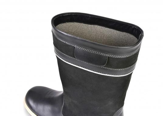 Der hochfunktionelle SEATEC-Segel-Stiefel ist ein echter Profi-Stiefel. In Komfort und Funktion ist er optimal an das Segeln in Küstenrevieren angepasst - hält aber auch harten Offshore-Bedingungen stand. (Bild 7 von 11)