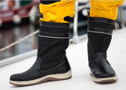 Les bottes de mer, ultra performantes de SEATEC, correspondent aux attentes des professionnels. De par leur confort et leur fonctionnalité, ces bottes sont adaptées à la navigation côtière ainsi qu'aux rudes conditions du large. (Image 4 de 11)