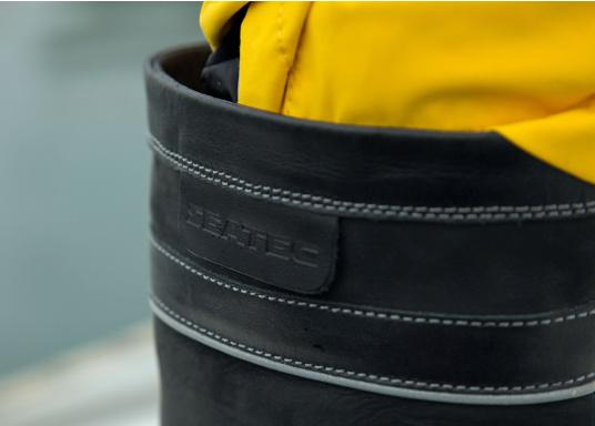 Les bottes de mer, ultra performantes de SEATEC, correspondent aux attentes des professionnels. De par leur confort et leur fonctionnalité, ces bottes sont adaptées à la navigation côtière ainsi qu'aux rudes conditions du large. (Image 11 de 11)