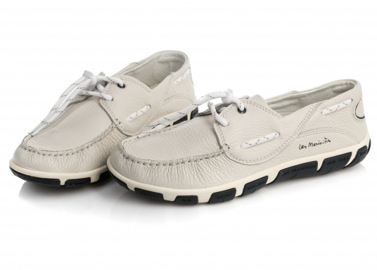 Superbequemer, optisch ansprechender Segel-Schuh aus weichem Kalbsleder. Super geschmeidig und daher auch unbedenklich barfuß zu tragen.