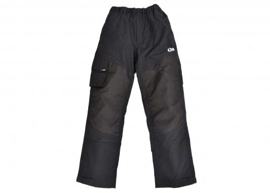 Résistant, imperméable et respirant. Ce pantalon totalement étanche offre une excellente protection contre le vent et l'eau. Conçu pour une utilisation dans des conditions rudes et humides, en mer. Ce pantalon a des poches matelassées, du matelassage supplémentaire peut être ajouté optionnellement.