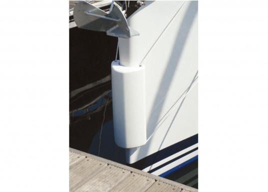 Il parabordo PVM1 del marchio Ocean è il primo e unico parabordo realizzato in materiale espanso flessibile PU e quindi non può perdere aria. (Immagine 6 di 9)