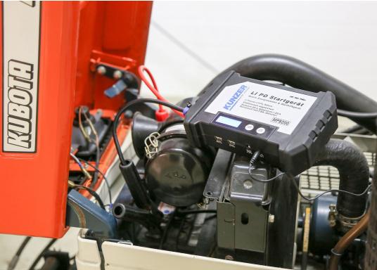 Die handliche und leistungsstarke Li-Ion-Polymer Batterie verfügt über eine Kapazität von 20.000 mAh. Somit lassen sich mit ihrer Hilfe sogar Autos oder Motorräder starten! (Bild 14 von 15)