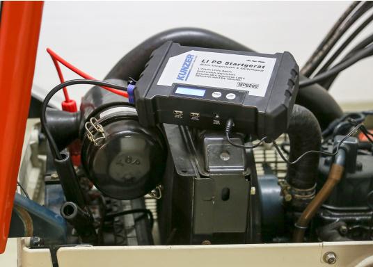 Die handliche und leistungsstarke Li-Ion-Polymer Batterie verfügt über eine Kapazität von 20.000 mAh. Somit lassen sich mit ihrer Hilfe sogar Autos oder Motorräder starten! (Bild 3 von 15)