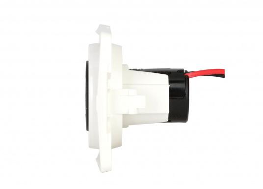 Doppel-USB-Steckdose passend zur INTEGRO FLOW Serie. Ideal zum Laden mobiler Endgeräte wie zum Beispiel Smartphones, Tables, Navigationsgeräte, Kameras etc. geeignet. (Bild 2 von 2)