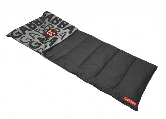 TheGabbag® is versatile! The colorful sleeping bags are made of strong cotton and are also used as a blanket. The two-way zipper provides maximum ventilation, the hollow fiber ensures pleasant warming and insulation.